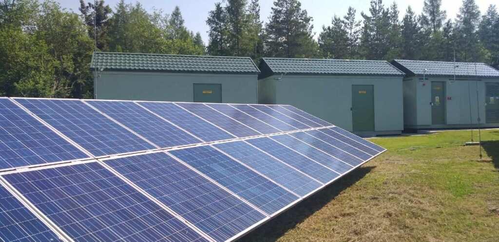 magazyn energii i farma słoneczna
